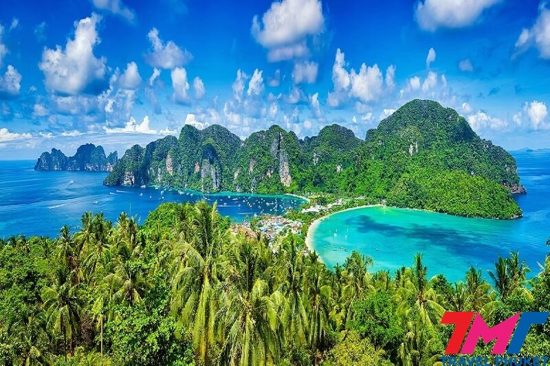 PHI PHI ISLAND AND BAMBOO ISLAND DELUXE TOUR