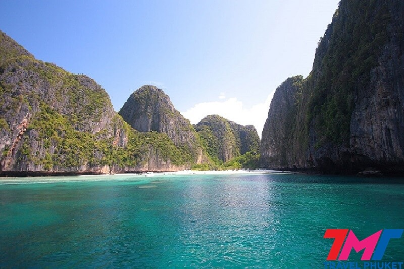 Phi Phi island Early bird tour by Speedboat